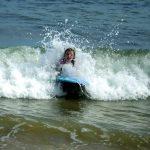 Wielu ludzi z filmów wie, co to surfing